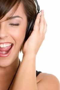 girl_listening_to_music-200x300